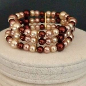 Jewelry - Multi colored faux pearl stretch bracelet